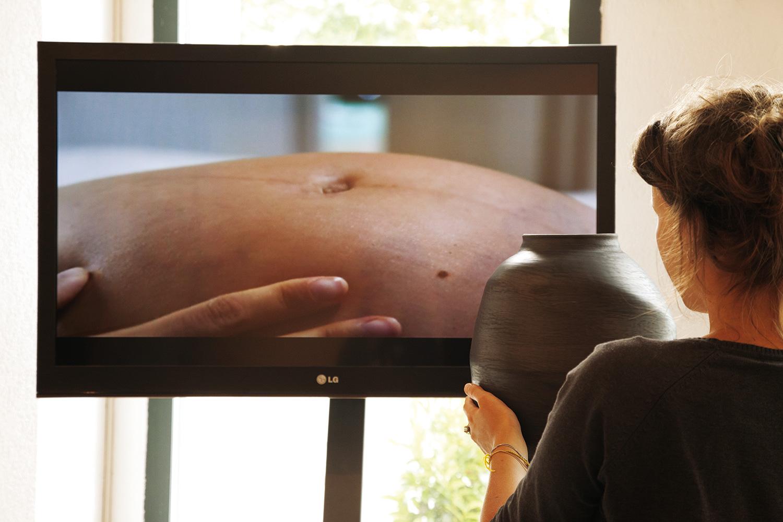 Caroline Bernard – Damien Guichard (Lili range le chat) Jacques Kaufmann Film HD 4' – pièce sur plateau tournant, 2013
